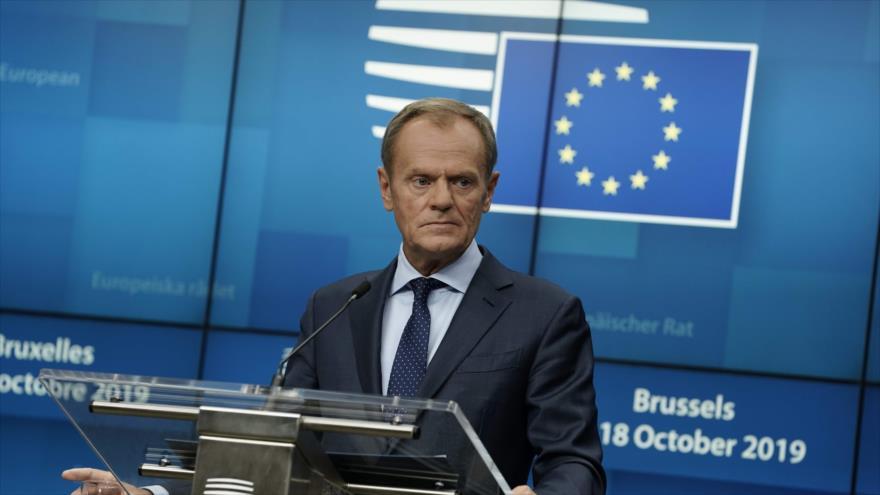 El presidente del Consejo Europeo, Donald Tusk, en una rueda de prensa en la sede de la Unión Europea en Bruselas, 17 de octubre de 2019. (Foto: AFP)