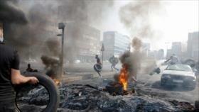 Manifestantes libaneses protestan contra crisis económica en país