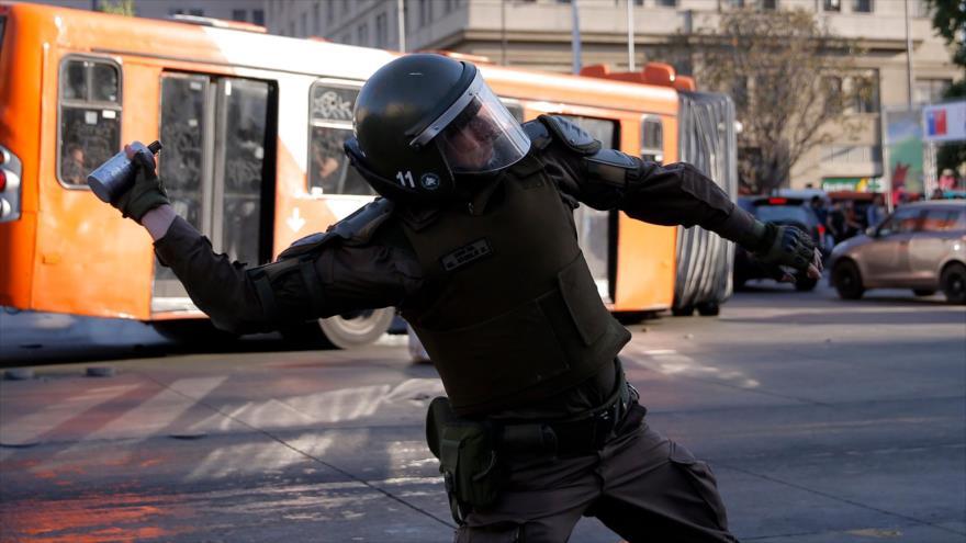 Piñera decreta estado de emergencia tras protestas en Santiago | HISPANTV