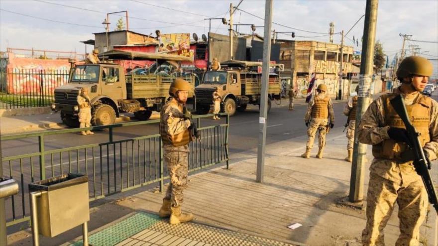 El Ejército de Chile se despliega en las ciudades para enfrentar las protestas, 19 de octubre. (Foto: Twitter del Ejército de Chile)