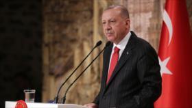 Erdogan amenaza con aplastar a los kurdos si no se retiran
