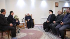Rohani alaba dignidad del pueblo iraní ante presiones del enemigo