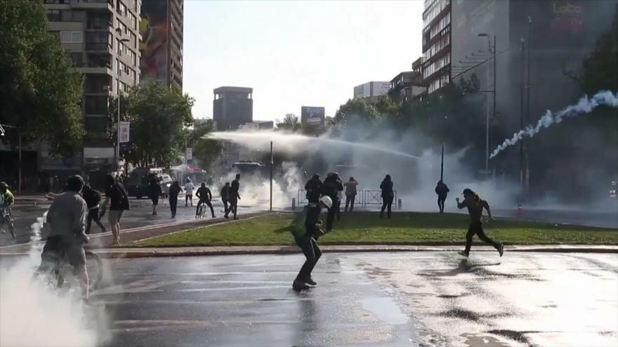 Rituales de Día de Arbaín. Crisis en Cataluña. Represión en Chile