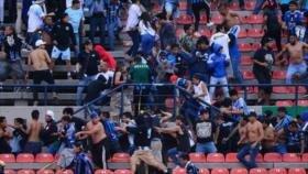 Suspenden partido de fútbol en México por violencia en las tribunas