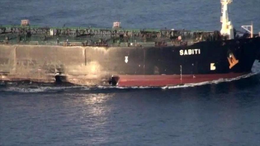 Daños causados al petrolero iraní Sabiti por un ataque en el mar Rojo perpetrado el 11 de octubre de 2019. (Foto: AFP)