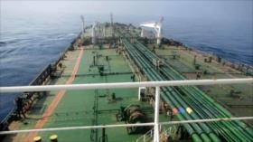 Petrolero atacado en la costa saudí vuelve a las aguas de Irán