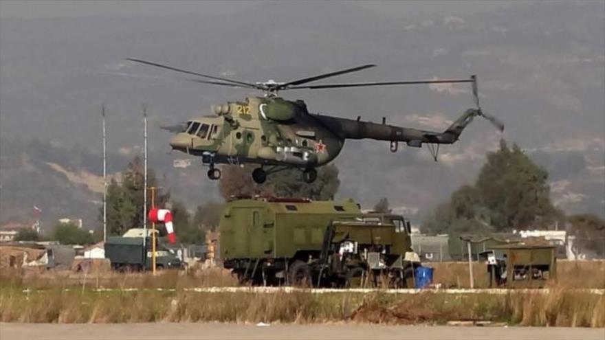 Helicópteros rusos aterrizan en base abandonada de EEUU en Siria