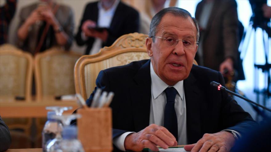 El canciller ruso, Serguéi Lavrov, en una reunión en Moscú con el enviado de la ONU en Siria, 5 de julio de 2019. (Foto: AFP)