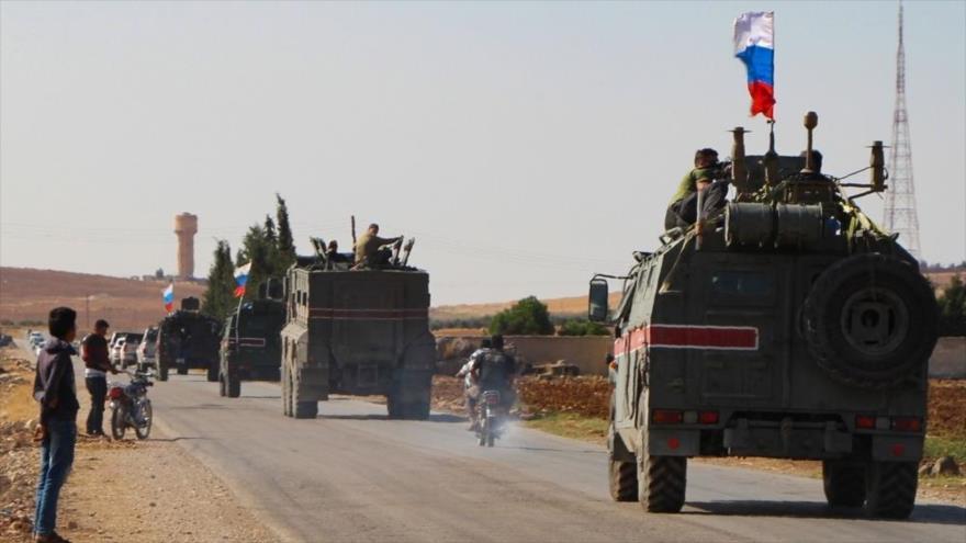 Policía militar rusa patrulla en ciudades sirias de Kobani y Manbij