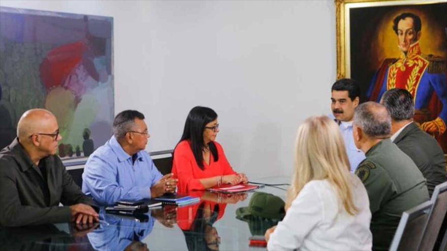 """Maduro expresa apoyo a Morales ante """"golpe de Estado"""" en Bolivia"""