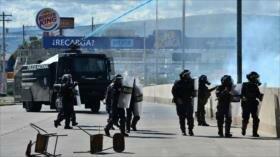 """Honduras reprime marchas contra el """"narcodictador"""" Hernández"""