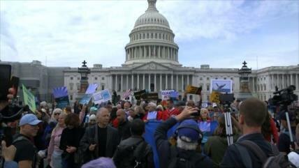 Activistas arrestados tras protesta por el cambio climático en EEUU