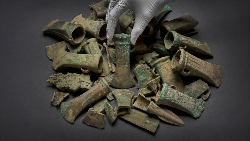 Tesoro encontrado en Londres, capital británica, incluye fragmentos de armas de hace casi 3000 años.