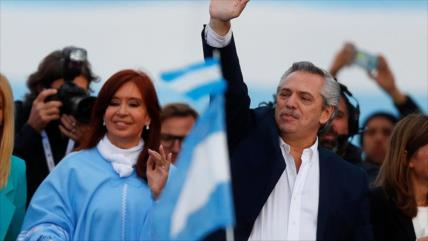 """Cristina Fernández pide a sus delegados """"cuidar los votos"""""""