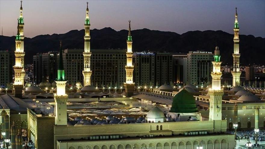 Mausoleo del Profeta del Islam, el Hazrat Muhamad (P), en Medina, Arabia Saudí, 27 de octubre de 2019. (Foto: Tasnim)