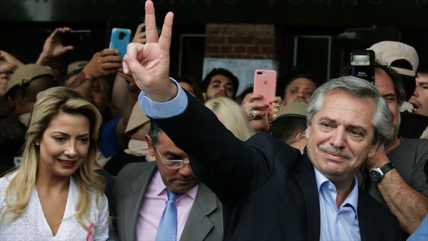 El nuevo presidente de Argentina, Alberto Fernández, en un colegio electoral, Buenos Aires, 27 de octubre de 2019. (Foto: AFP)