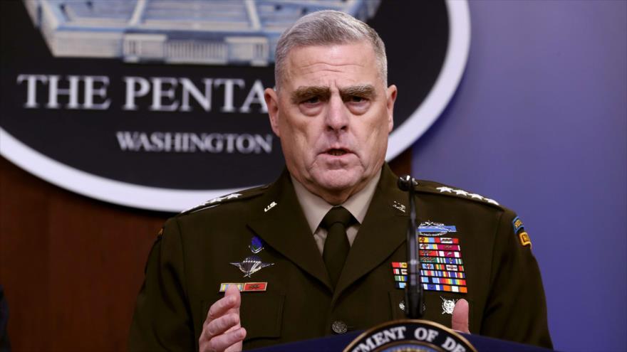 El jefe del Estado Mayor Conjunto de EE.UU., general Mark Milley, da detalles del asesinato del líder de Daesh, 28 de octubre de 2019. (Foto: AFP)