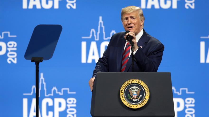 El presidente de EE.UU., Donald Trump, habla en la cumbre de Asociación Internacional de Jefes Policiales en Chicago, 28 de octubre de 2019. (Foto: AFP)