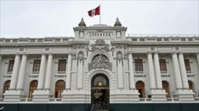 Corte de Perú acepta demanda contra la disolución del Congreso