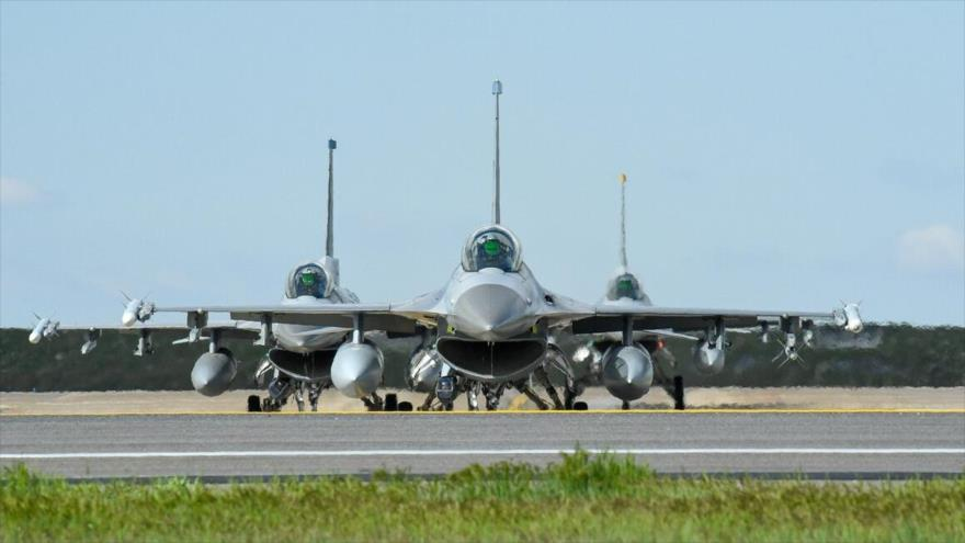 Aviones de combate F-16 de EE.UU. durante un ejercicio militar, 1 de mayo de 2019.