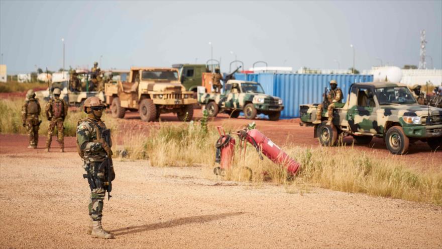 Más de 50 muertos en un ataque terrorista a base militar en Malí   HISPANTV