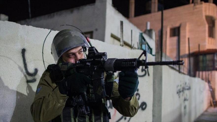 """Vídeo: Soldados israelíes disparan a un palestino """"por diversión"""""""