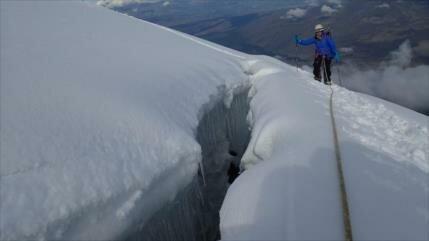 Tres montañistas caen en grieta de volcán Cotopaxi, en Ecuador