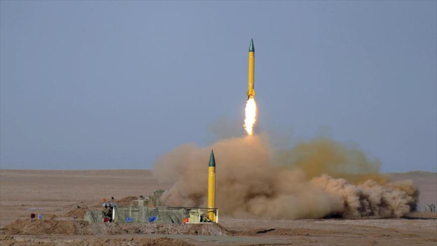 Misiles balísticos de medio alcance Shahab-3, lanzados durante una maniobra de las fuerzas persas fuera de la ciudad de Qom, en el centro de Irán.