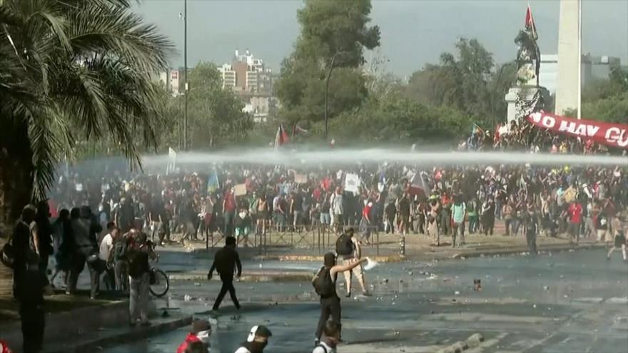 La indignación callejera aumenta las presiones al Gobierno chileno