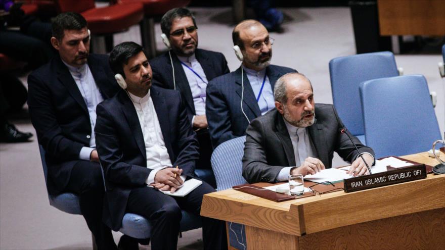 Eshaq Al Habib, embajador adjunto de Irán ante la ONU, habla en una reunión de Consejo de Seguridad en Washington, 18 de diciembre de 2019. (Foto: AFP)