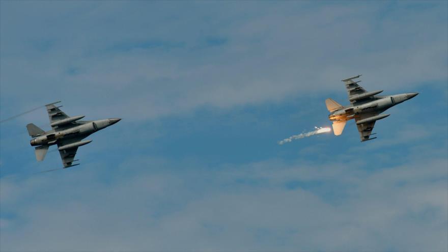 Cazas F-16 de EE.UU. durante un simulacro militar en el condado de Pingtung, en el sur de Taiwán, 30 de mayo de 2019.