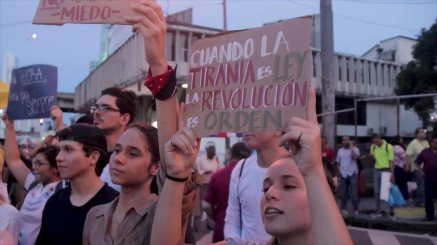 Panameños exigen eliminar reformas a Constitución política