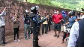 Policía reprime protesta por defender derecho al agua en Honduras