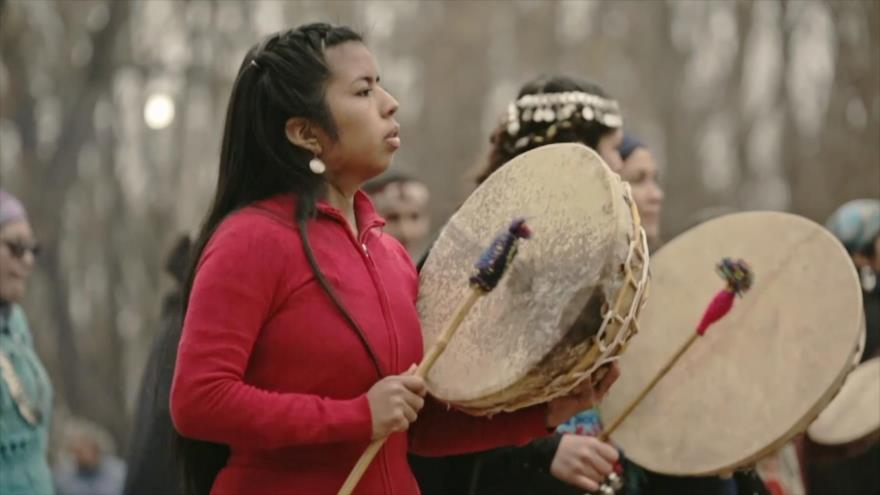 """Blanco: """"Wiñoy Xipantu, otra vuelta al sol"""" del Colectivo Audiovisual Vaca Bonsai y """"Esperanza en Valdemingómez"""" de Pablo Verdú"""