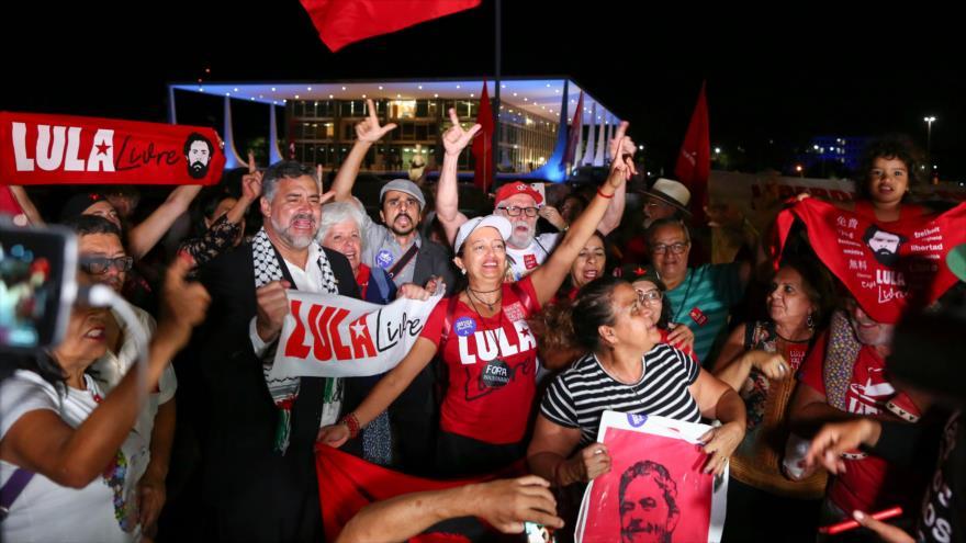 """La defensa de Lula solicita formalmente su liberación """"inmediata"""""""