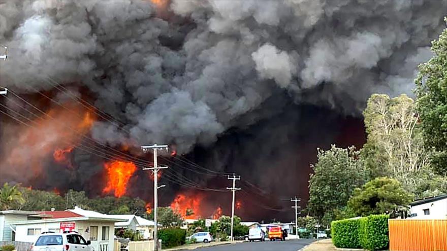 Incendios forestales arrasan 575 000 hectáreas en Australia | HISPANTV