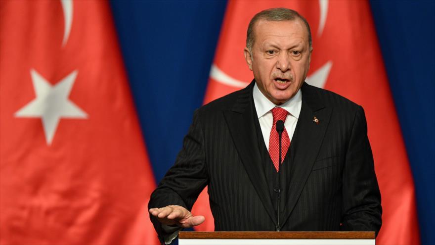 El presidente turco, Recep Tayyip Erdogan, en una rueda de prensa en Budapest, la capital de Hungría, 7 de noviembre de 2019. (Foto: AFP)