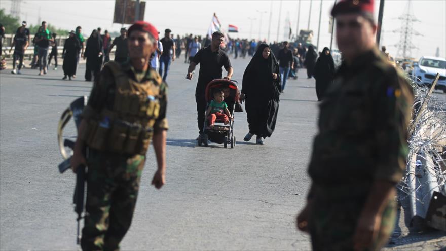 Fuerzas de seguridad iraquíes hacen guardia en la ciudad de Karbala, 15 de octubre de 2019. (Foto: AFP)