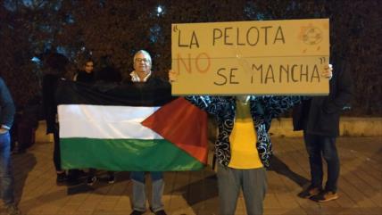 Activistas piden a Messi y Suárez no jugar en ocupada Palestina