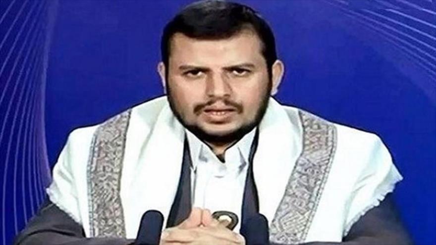 El líder del movimiento popular yemení Ansarolá, Abdulmalik al-Houthi, ofrece un discurso televisado.
