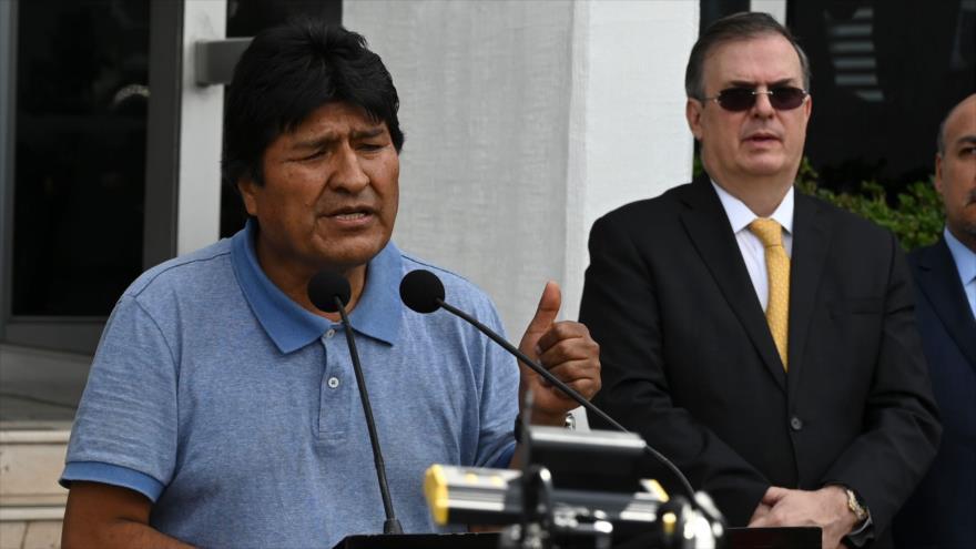 """""""Sigue la lucha"""", asegura Evo Morales tras llegar a México"""