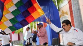 Maduro pide al Ejército de Bolivia que restituya a Morales