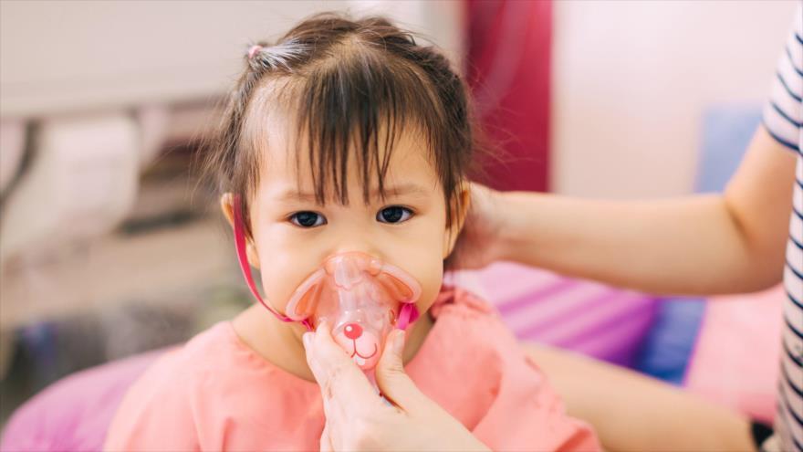 La neumonía cobró la vida de 800 mil niños en 2018.