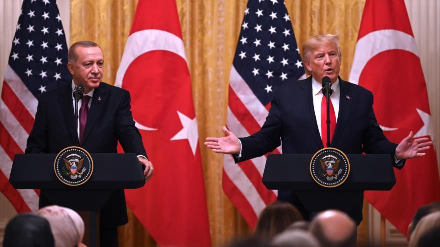 El presidente de EE.UU., Donald Trump (dcha.), con su homólogo de Turquía, Recep Tayyip Erdogan, Washington, 13 de noviembre de 2019. (Foto: AFP)
