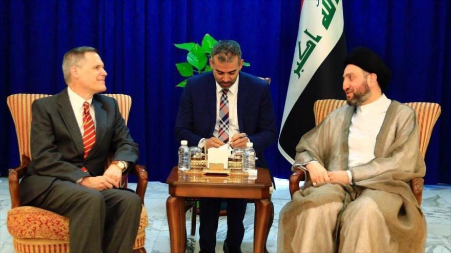 Líder del Movimiento de Sabiduría Nacional de Irak, Seyed Amar al-Hakim, (dcha.) junto al embajador de EE.UU. en Bagdad, Matthew Tueller, 14 de noviembre de 2019.