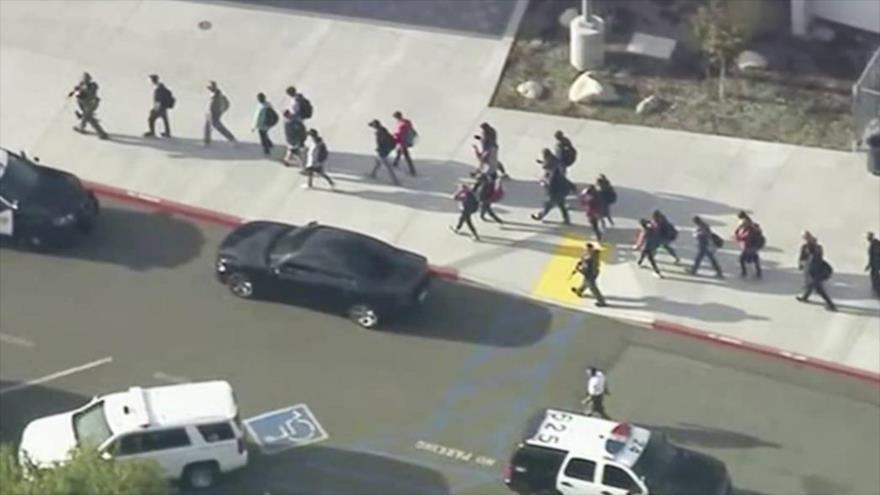 1 muerto y varios heridos en tiroteo en una escuela de Los Ángeles