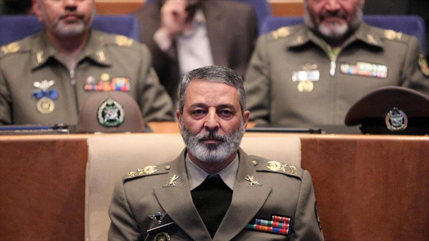 El comandante en jefe del Ejército de Irán, el general de brigada Abdul Rahim Musavi.