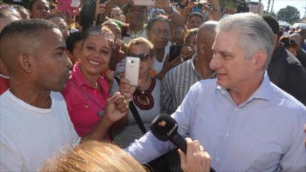 """Díaz-Canel: Cuba seguirá """"resistiendo"""" el embargo de EEUU"""