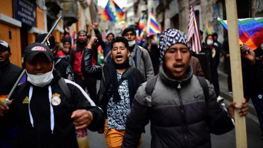 Miles de manifestantes piden renuncia de Áñez y vuelta de Morales | HISPANTV