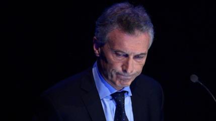 Macri, acusado de 'traición' por acuerdo sobre vuelos a Malvinas